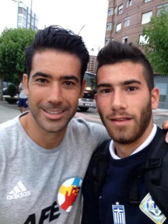 Ο Δημήτρης Κόμνος, μαζί με τον πρώην συμπαίκτη του στον Ολυμπιακό Βόλου, Κριστόμπαλ
