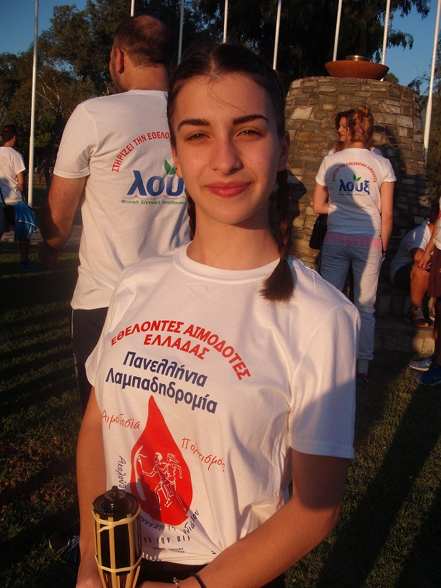 Η 15χρονη Σοφία Κόμνου είναι υπέρμαχη του εθελοντισμού