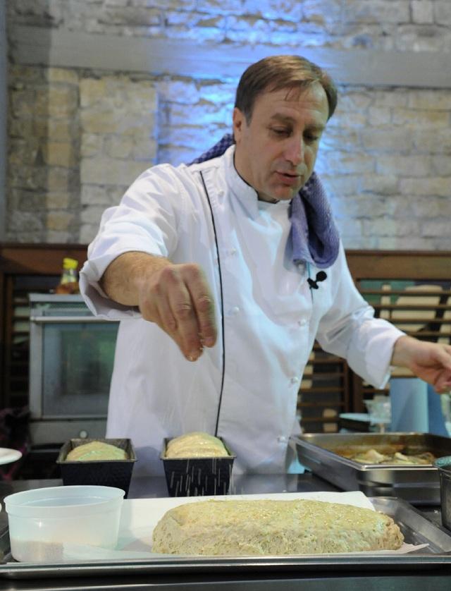 Ο γνωστός σεφ Γιάννης Μπαξεβάνης δημιουργεί το μενού στα «6 Κλειδιά»