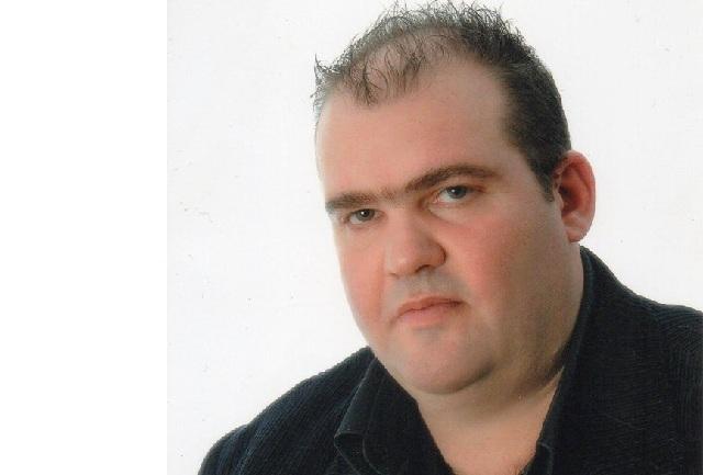 Γιώργος Πράττος: Τουλάχιστον οι δημότες ας ειδοποιούν την Υπηρεσία Καθαριότητας, πριν βγάλουν έξω τα άχρηστα αντικείμενα