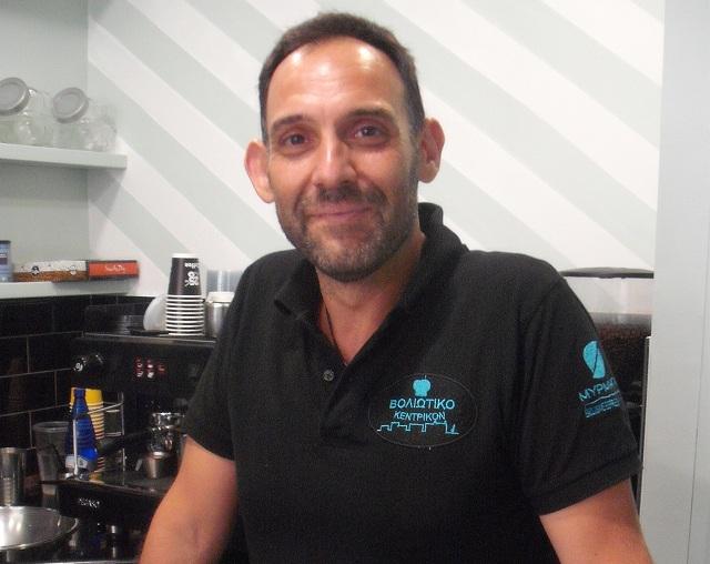 Χρήστος Γεωργουλόπουλος, διατηρεί εργαστήριο τυροπιτών: «Αυτό που μας κρατάει στον χώρο είναι το μεράκι»