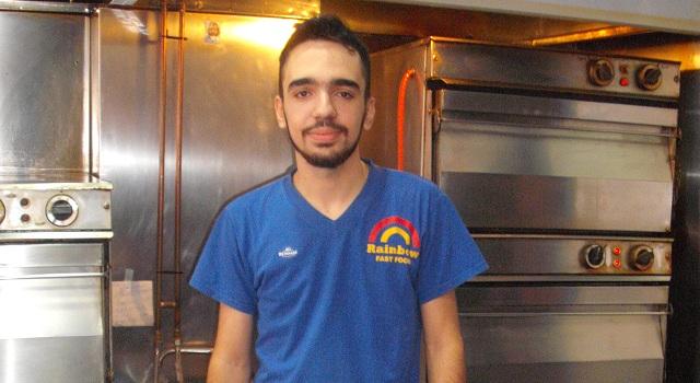 Αποστόλης Τσακάλας, ψήστης: «Μας δροσίζει ο καλός λόγος του πελάτη»