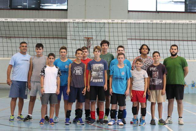 Οι ακαδημίες των αγοριών με τον προπονητή τους Κ. Φουρκιώτη και τον αντίστοιχο του αντρικού τμήματος Σ. Γεωργουλά