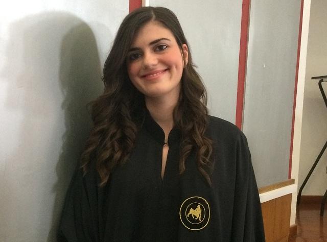 Η Στέλλα Ταγαράκη αριστούχα απόφοιτη του Τμήματος Μηχανολόγων Μηχανικών