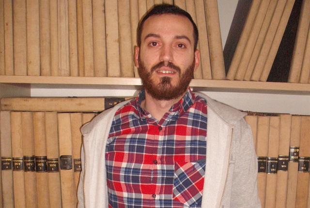 Ο Δημήτρης Βογιατζής στα γραφεία του ΤΑΧΥΔΡΟΜΟΥ