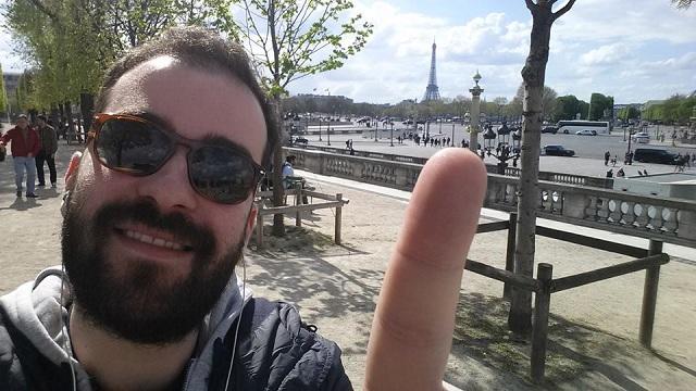 «Το Παρίσι είναι πανέμορφο. Γι' αυτό ίσως και να χαρακτηρίζεται ως η πόλη του έρωτα. Είναι και όμως μία ακριβή πόλη με μεγάλες μετακινήσεις, γρήγορους ρυθμούς… νεύρα. Όσο για την τρομοκρατία εγώ δεν μπορώ να το δω γιατί δεν το έζησα. Βλέπω όμως τα άτομα που βρίσκονταν στο Παρίσι, ίσως να έχουν μια επιφύλαξη παραπάνω. Και είναι και λογικό. Αν και σιγά - σιγά αυτό φεύγει. Και μακάρι δηλαδή»