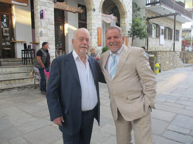Ο Γιώργος Τσαγκαράκης (αριστερά) με τον Αθανάσιο Αδάμ