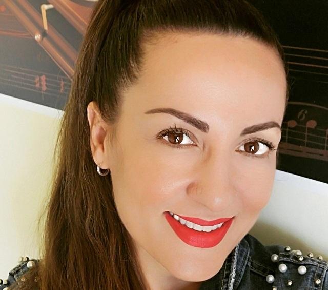 Αϊντα Πάγκαλου, τραγουδίστρια