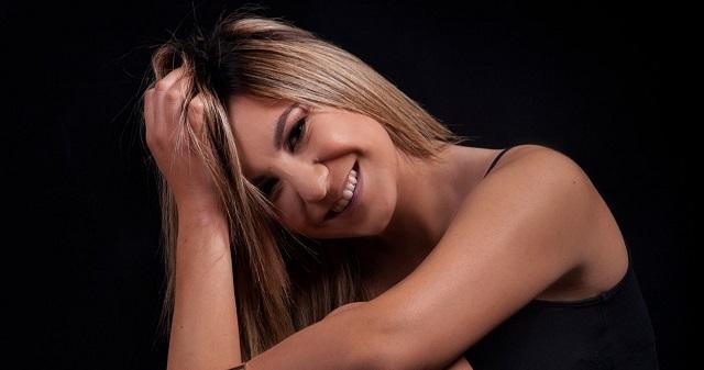Ιριδα Κουφογάζου,τραγουδίστρια