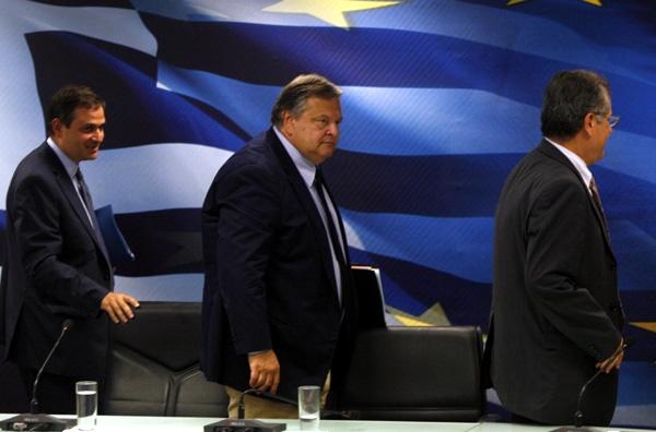 Διαφορετικό ΦΠΑ για Έλληνες και αλλοδαπούς!