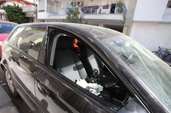 Εσπασαν αυτοκίνητα για λίγα ευρώ!