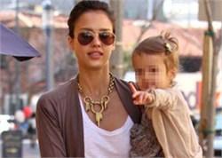 Η Jessica Alba θέλει πολλά παιδιά!