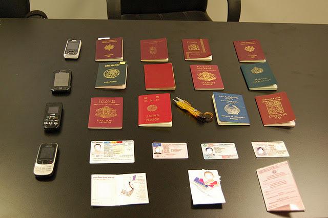 Πλαστογραφούσαν με το κιλό τα διαβατήρια