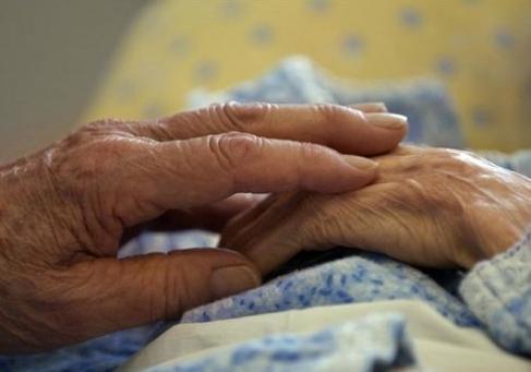Εξαπάτησαν και λήστεψαν 78χρονη στη Νέα Ιωνία