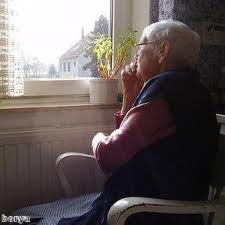 """""""Φτωχή"""" ηλικιωμένη άφησε 2.000.000 ευρώ και 30 ακίνητα σε γηροκομείο"""