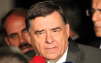 «Ανασχηματισμός και να μπουν στην κυβέρνηση οι τρεις αρχηγοί»