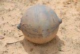 Μυστηριώδης μεταλλική μπάλα «έπεσε από τον ουρανό» στη Ναμίμπια