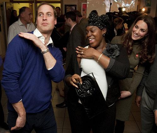 Ο Πρίγκιπας της Βρετανίας William χορεύει με τη Vanessa Boateng
