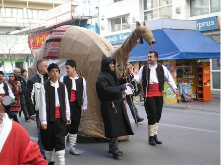 Η καμήλα θα σεργιανίσει αύριο το πρωί στους δρόμους του Βόλου