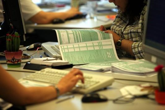 Νέα τεκμήρια στέλνουν στο ταμείο 3 εκατ. φορολογούμενους που μέχρι σήμερα δεν πλήρωναν ούτε ένα ευρώ φόρο!