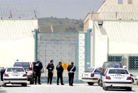 Επίθεση με μαχαίρι μέσα στις φυλακές Τρικάλων