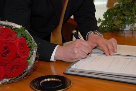 Ξεπέρασαν το 2011 στην Καρδίτσα οι πολιτικοί γάμοι τους θρησκευτικούς