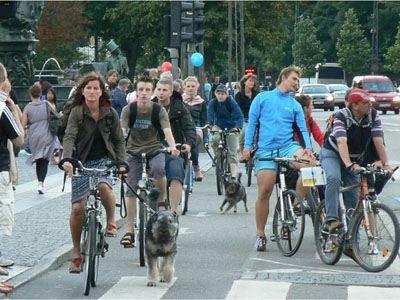 Η Τροχαία μπορεί να βεβαιώνει παραβάσεις και σε ποδηλάτες