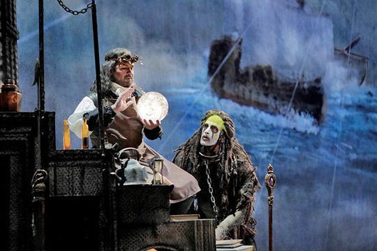 Οπερα αξιώσεων στο Αχίλλειον