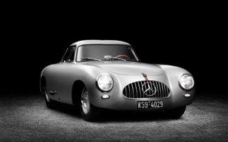 Η Mercedes SL ανακατασκευάζει συλλεκτικό μοντέλο της