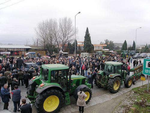 Συγκεντρώσεις διαμαρτυρίας αγροτών σε επτά πόλεις ενάντια στα «χαράτσια»