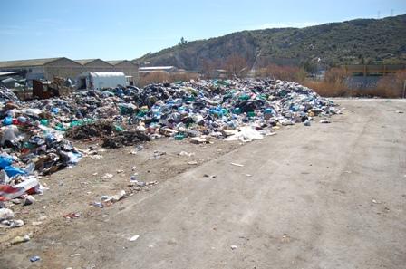 Λιγότερα σκουπίδια λόγω κρίσης στο Βόλο!!!