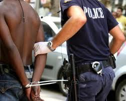 Λάρισα: Σύλληψη αλλοδαπών για εκβιασμό