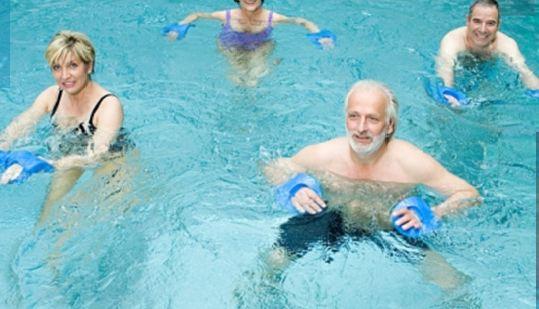 Κολυμπάτε όσο μπορείτε. Ρίχνει την πίεση και προστατεύει την καρδιά