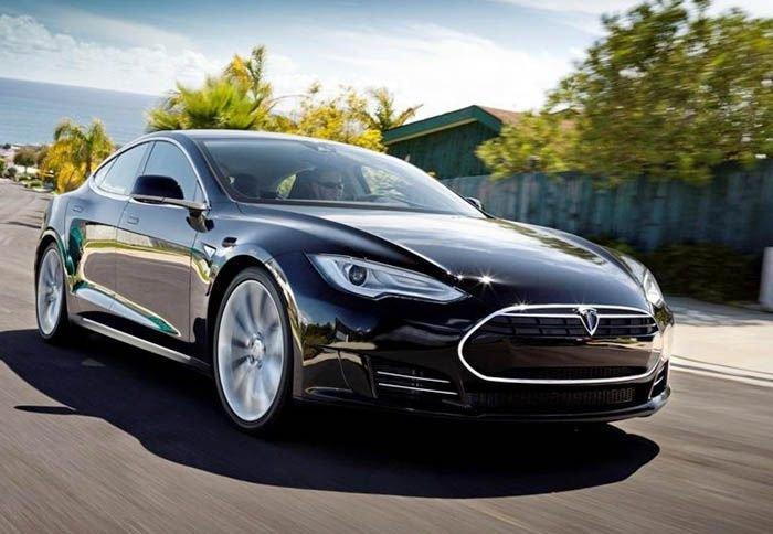 Η χρονιά του Tesla «S»