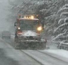 Μάχη με το χιόνι δίνουν μηχανήματα της Περιφερειακής Ενότητας Τρικάλων και του Δήμου