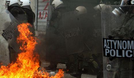 Φωτιά στο πολιτικό σκηνικό