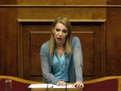 Παραιτήθηκε η Πέμη Ζούνη