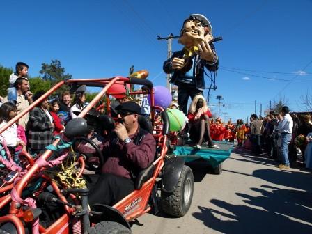 Η κρίση εμπνέει το Καρναβάλι