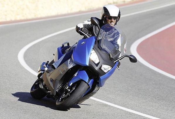 Τα scooter του 2012: Σοδειά νέων τεχνολογιών!
