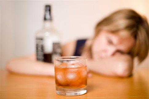 Αλκοόλ: 2,5 εκατομμύρια θάνατοι ετησίως από την κατάχρηση