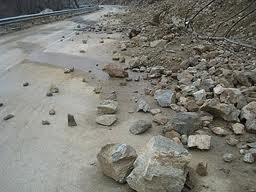 Καταπτώσεις βράχων στην Εθνική Οδό Βόλου -Μικροθηβών