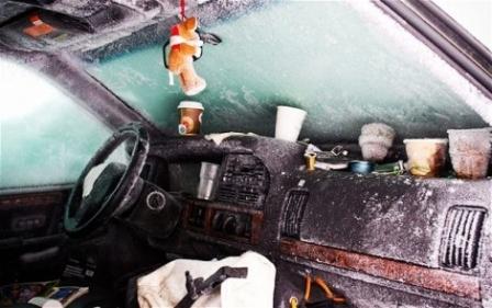 Έζησε 2 μήνες θαμμένος κάτω από το χιόνι μέσα στο αυτοκίνητο!