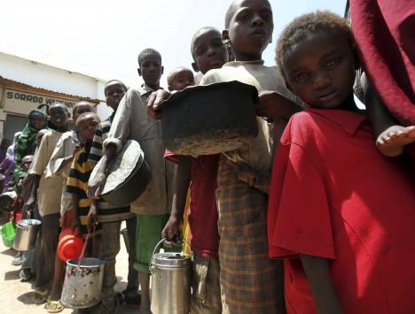 Σομαλία: Αναγκάζουν παιδιά να πολεμούν!
