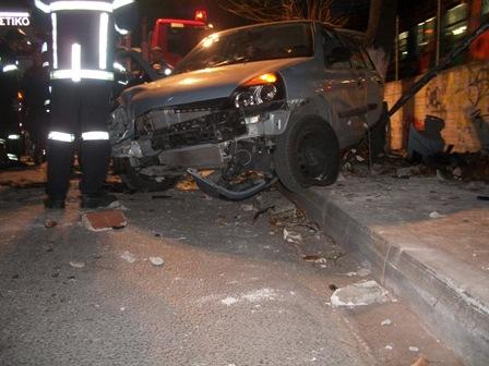 Αυτοκίνητο «βούτηξε» από ύψος 9 μέτρων σε γέφυρα του Νέου Ηρακλείου