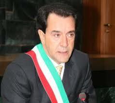Έκκληση του Ιταλού δημάρχου Τζιοβάνι Μοσκατιέλο για στήριξη της Ελλάδας