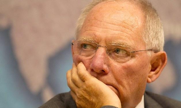 Σόιμπλε: «Προσπαθώ να μην χάσω την υπομονή μου με τους Ελληνες»