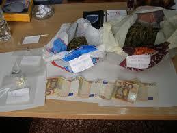 Σύλληψη 19χρονου Βολιώτη μαθητή που πουλούσε χασίς στο Λιμάνι!