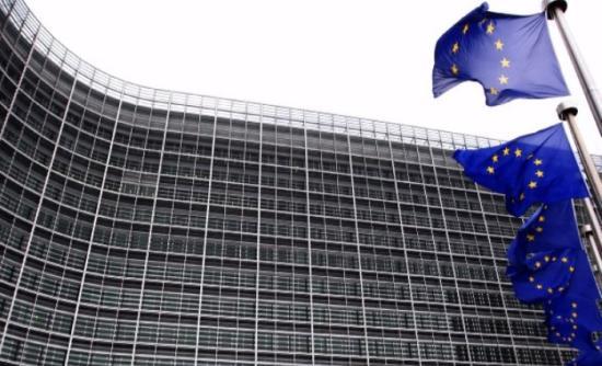 Κομισιόν: Στο χέρι της Ελλάδας να αποφύγει την ύφεση