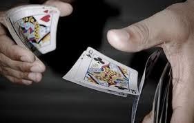 Λάρισα:ΛΕξαπατούσαν ηλικιωμένους παίζοντας τον… «παπά»!