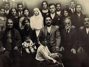 """Εγκαινιάστηκε στην Κωνσταντινούπολη η έκθεση """"Δύο Φορές Ξένος"""""""